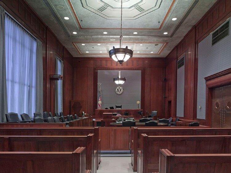 弁護士 大学